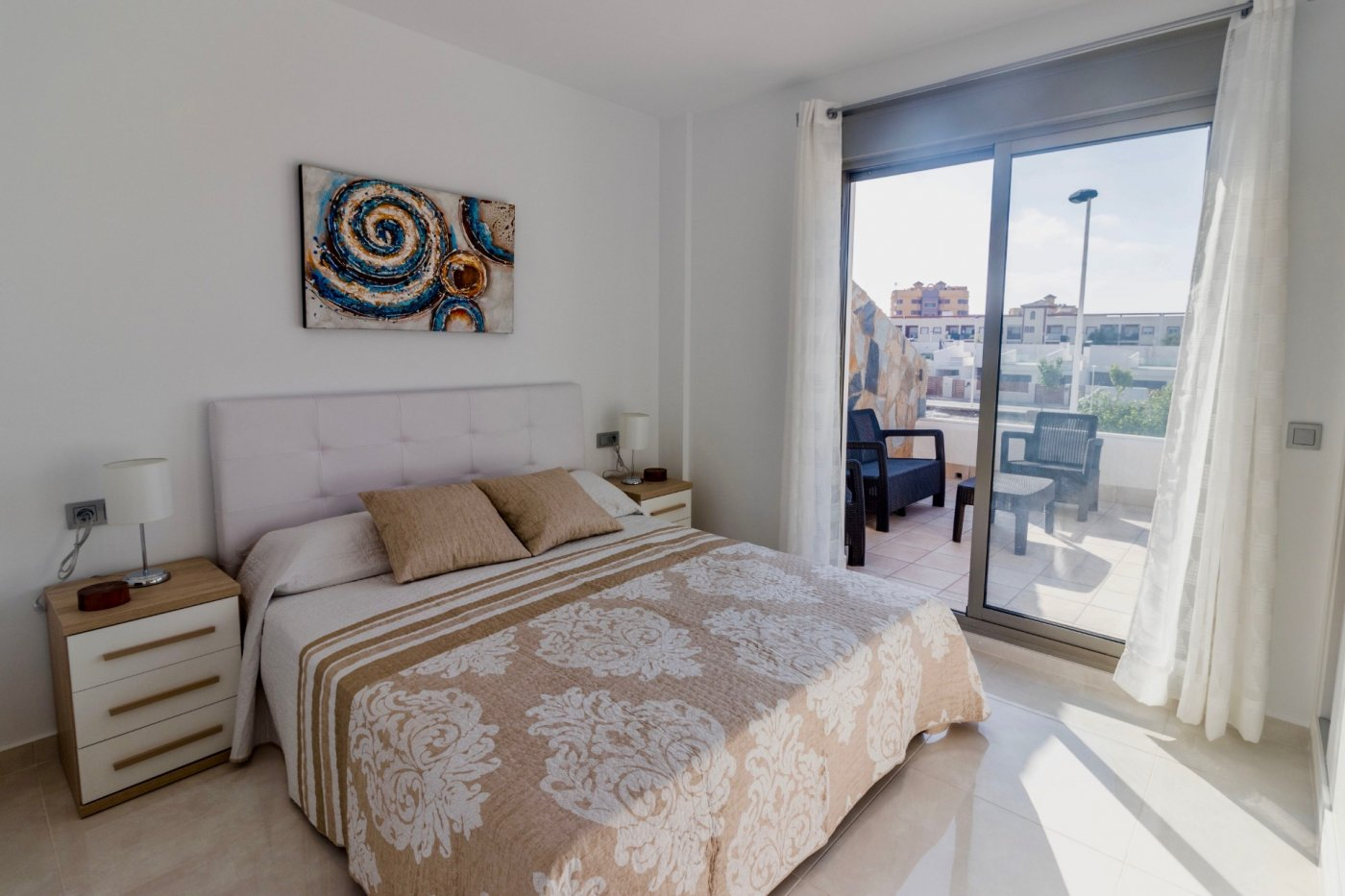 Gallery Image 16 of New build townhouse, bang in the middle of Los Alcazares with private pool and 500 m from the beach