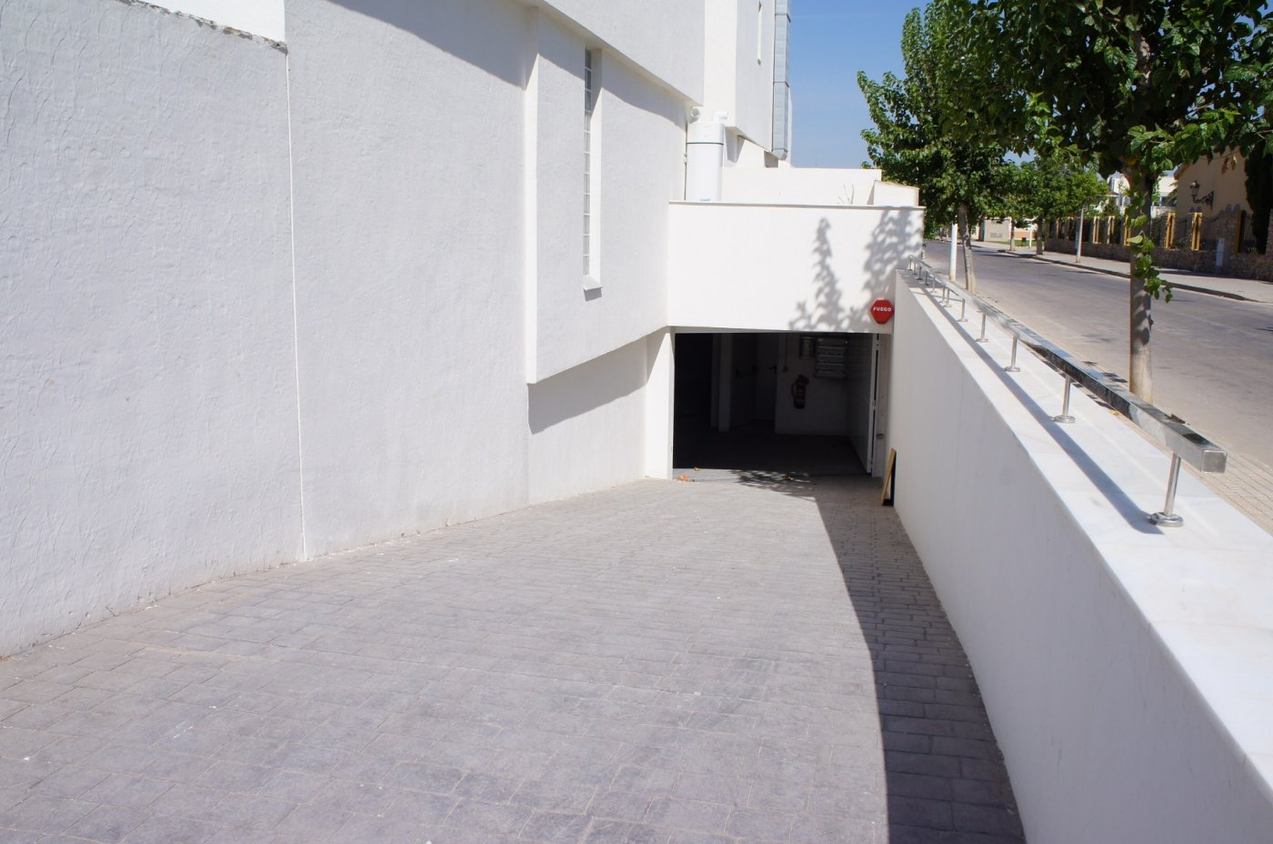 Gallery Image 28 of New build townhouse, bang in the middle of Los Alcazares with private pool and 500 m from the beach
