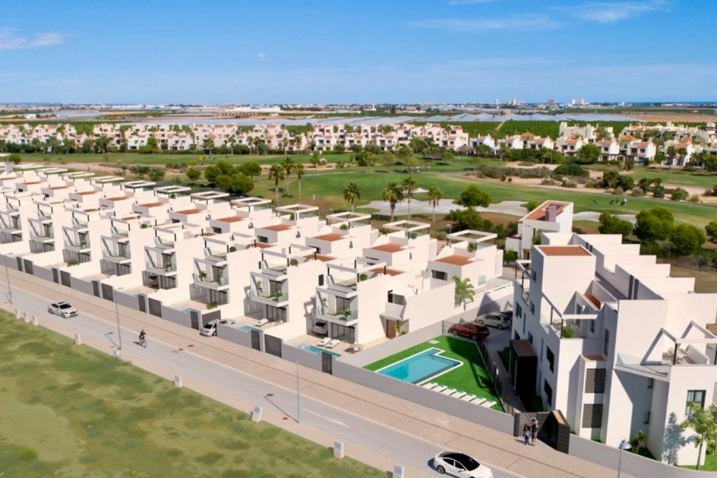 Galleribillede 1 of Nybygget moderne villa med egen pøl på Roda Golf
