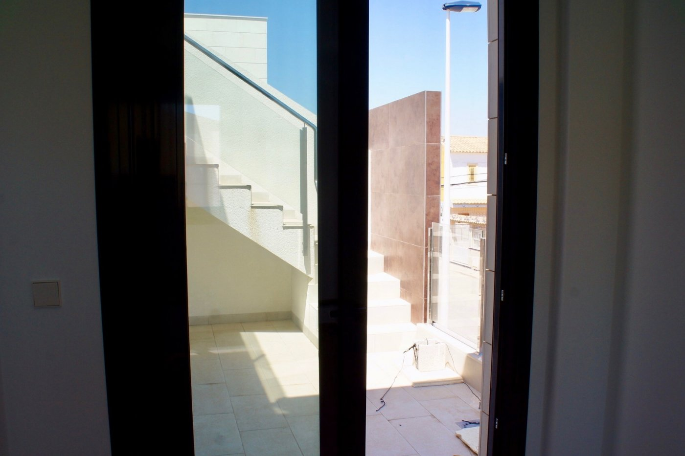 Gallery Image 15 of Nuevo apartamento listo en la planta superior de 2 dormitorios a solo 2 minutos a pie de las playas,
