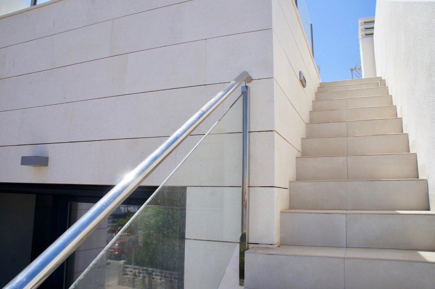 Gallery Image 19 of Nuevo apartamento listo en la planta superior de 2 dormitorios a solo 2 minutos a pie de las playas,