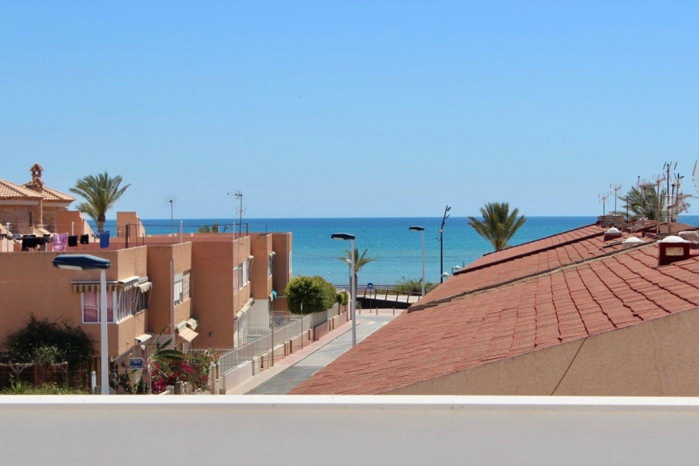 Gallery Image 23 of Nuevo apartamento listo en la planta superior de 2 dormitorios a solo 2 minutos a pie de las playas,
