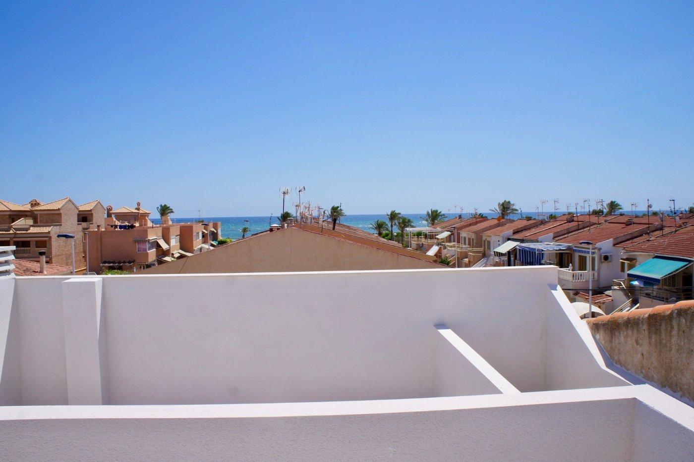 Gallery Image 25 of Nuevo apartamento listo en la planta superior de 2 dormitorios a solo 2 minutos a pie de las playas,