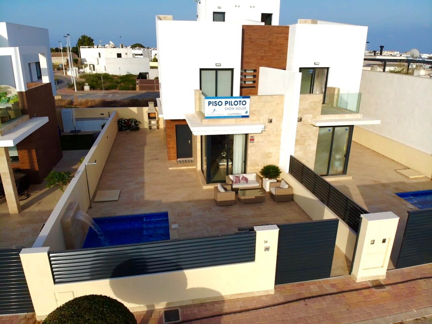 Gallery Image 2 of Premium semi-detached villa with swimming pool at a very competitive price