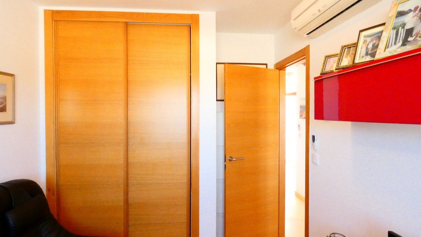 Gallery Image 28 of Location, location, location! South West Facing 2 Bed Apartment in Naranjos 4