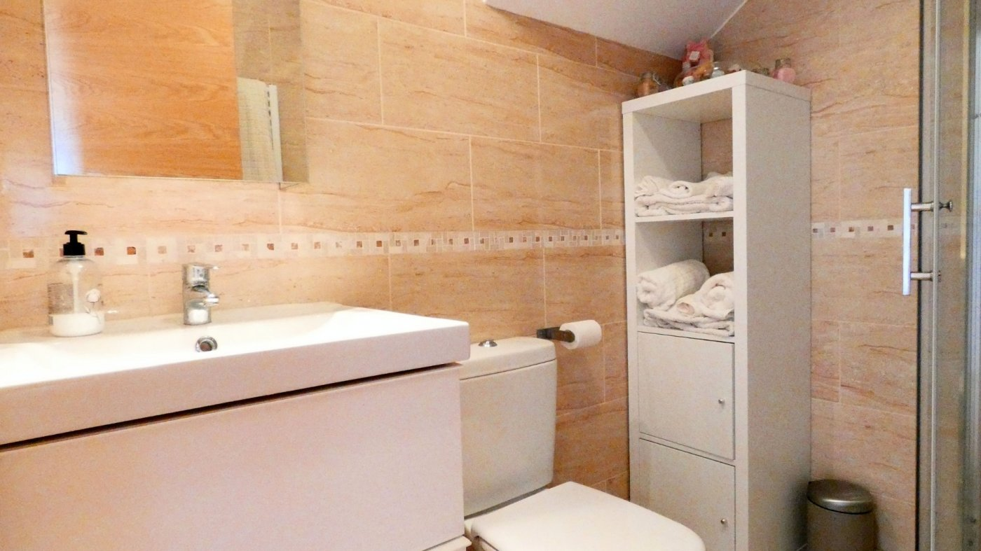 Gallery Image 29 of Location, location, location! South West Facing 2 Bed Apartment in Naranjos 4