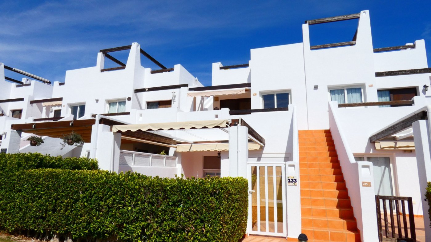 Gallery Image 3 of Location, location, location! South West Facing 2 Bed Apartment in Naranjos 4