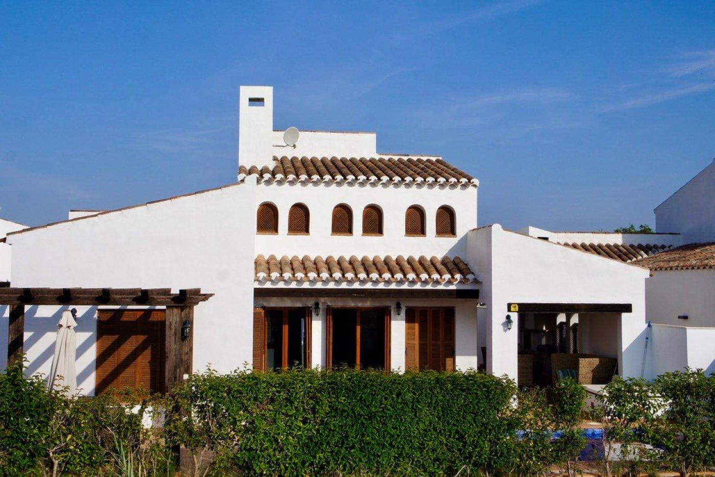 Galleribillede 29 of I første linie til golf banen, solrig 4 vær et plans villa med 2 badevær of egen pool