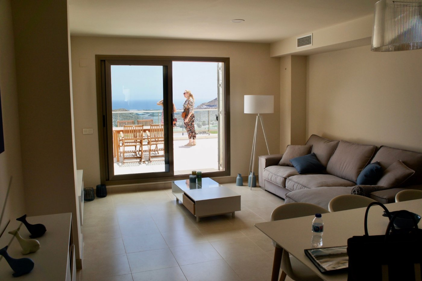 Galleribillede 2 of Sydvendt 3 værelses, 2 bad lejlighed med panorama udsigt og 83 m2 tagterrasse