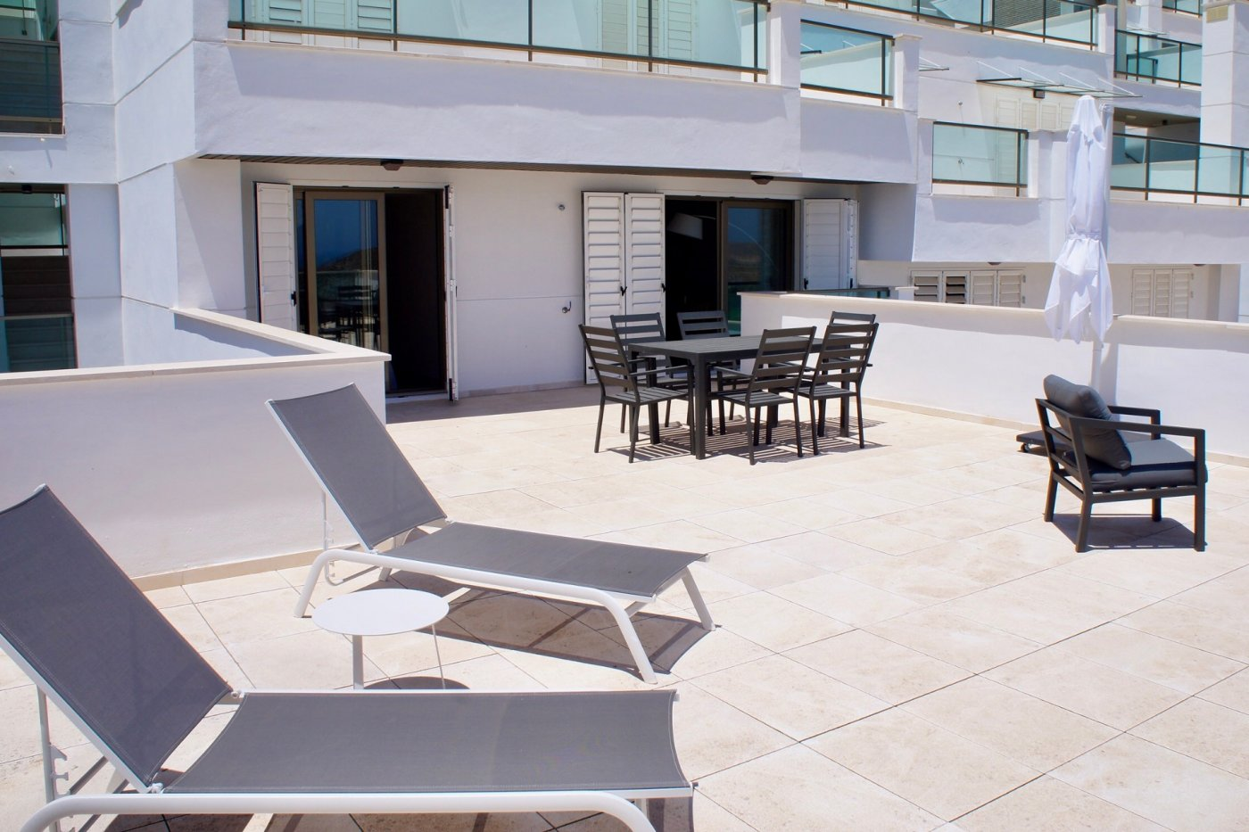 Gallery Image 3 of Big south facing 3 bed, 2 bath apartment with lovely views and 75 m2 terrassesolarium.