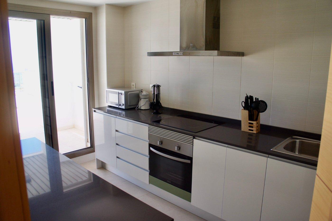 Imagen de la galería 7 of Gran apartamento orientado al sur de 3 dormitorios y 2 baños con preciosas vistas y 75 m2 de teraza