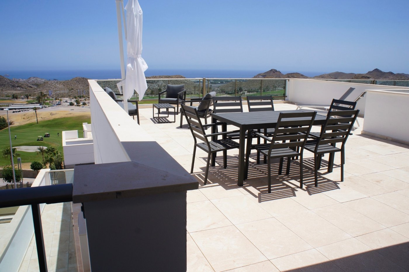 Gallery Image 3 of Luxurious south facing 1 bed with panoramic view and massive 74 m2 terrasse