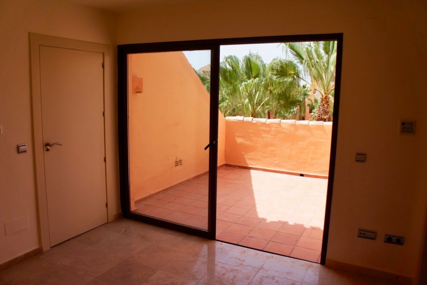 Gallery Image 18 of Amazing opportunity, duplex flat close to beach never lived in
