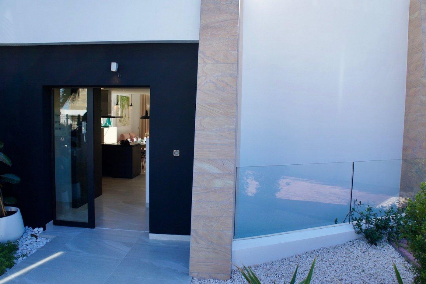 Gallery Image 2 of Fantastic very big semi-detached luxury villa on the equally fantastic La Finca Golf