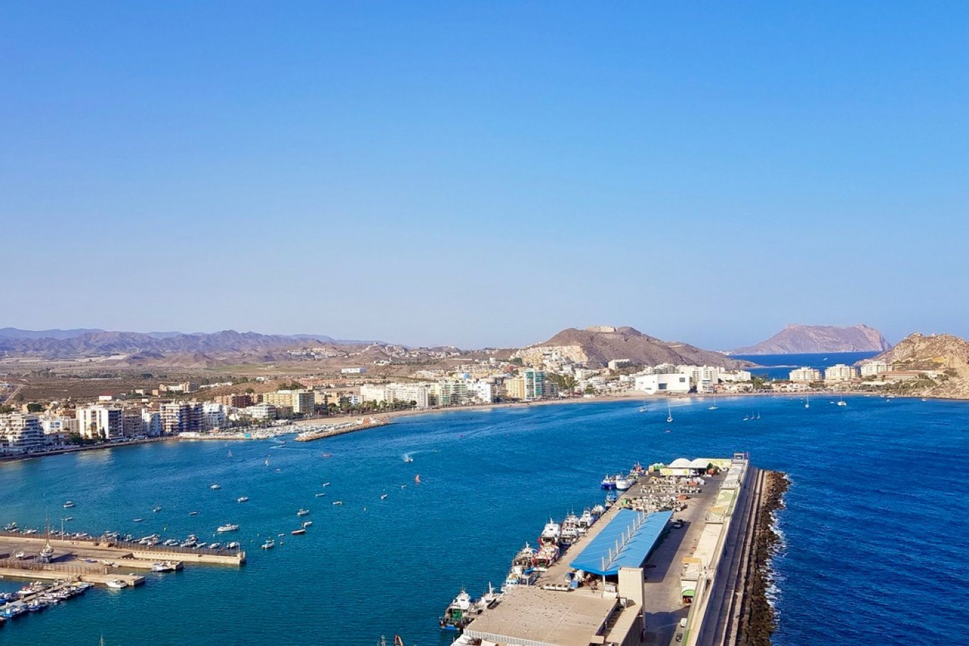 Gallery Image 22 of South-West facing luxury 2 bed apartment with panoramic sea views at amazing price