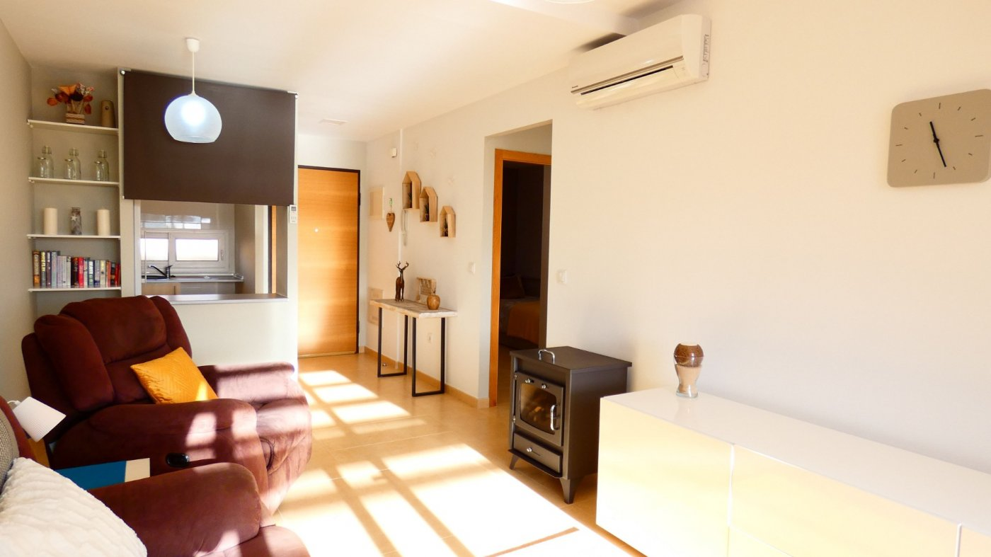 Gallery Image 10 of Fabulous South-West Facing 2 Bed Apartment at La Isla, Very Well-Presented and Key-Ready