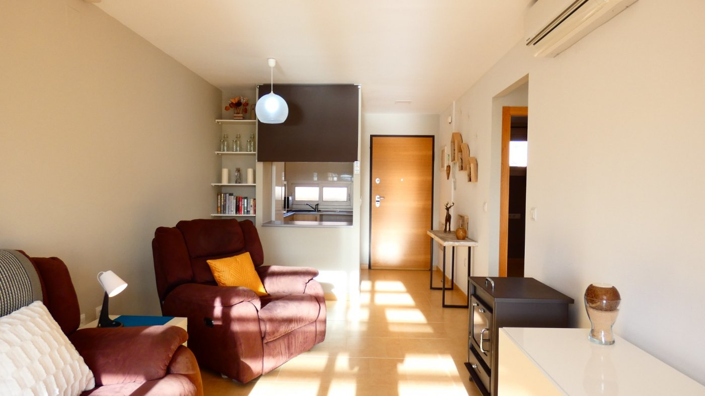Gallery Image 17 of Fabulous South-West Facing 2 Bed Apartment at La Isla, Very Well-Presented and Key-Ready