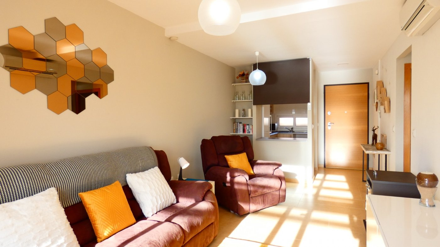 Gallery Image 4 of Fabulous South-West Facing 2 Bed Apartment at La Isla, Very Well-Presented and Key-Ready