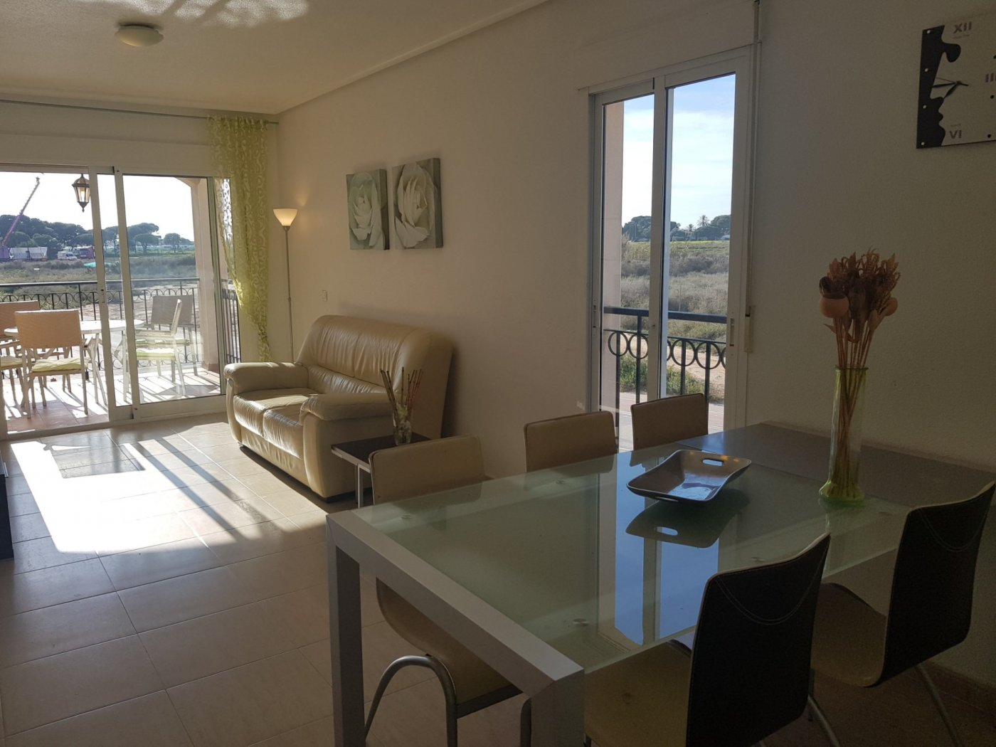 Gallery Image 10 of Fantastic corner apartment on walking distance of beach and shopping centre