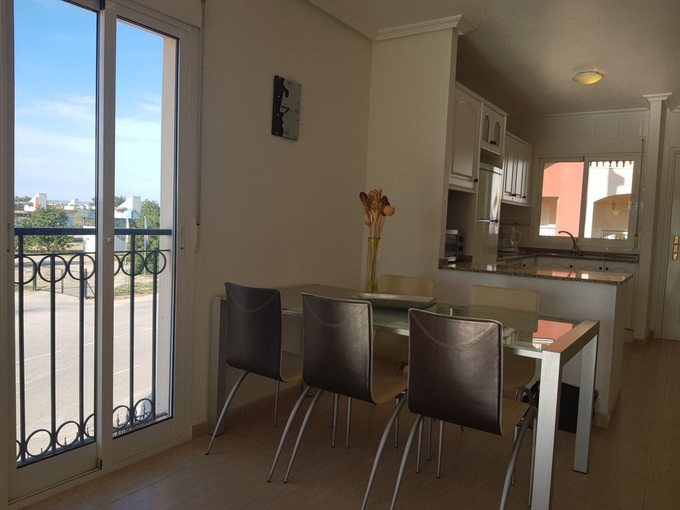 Gallery Image 11 of Fantastic corner apartment on walking distance of beach and shopping centre