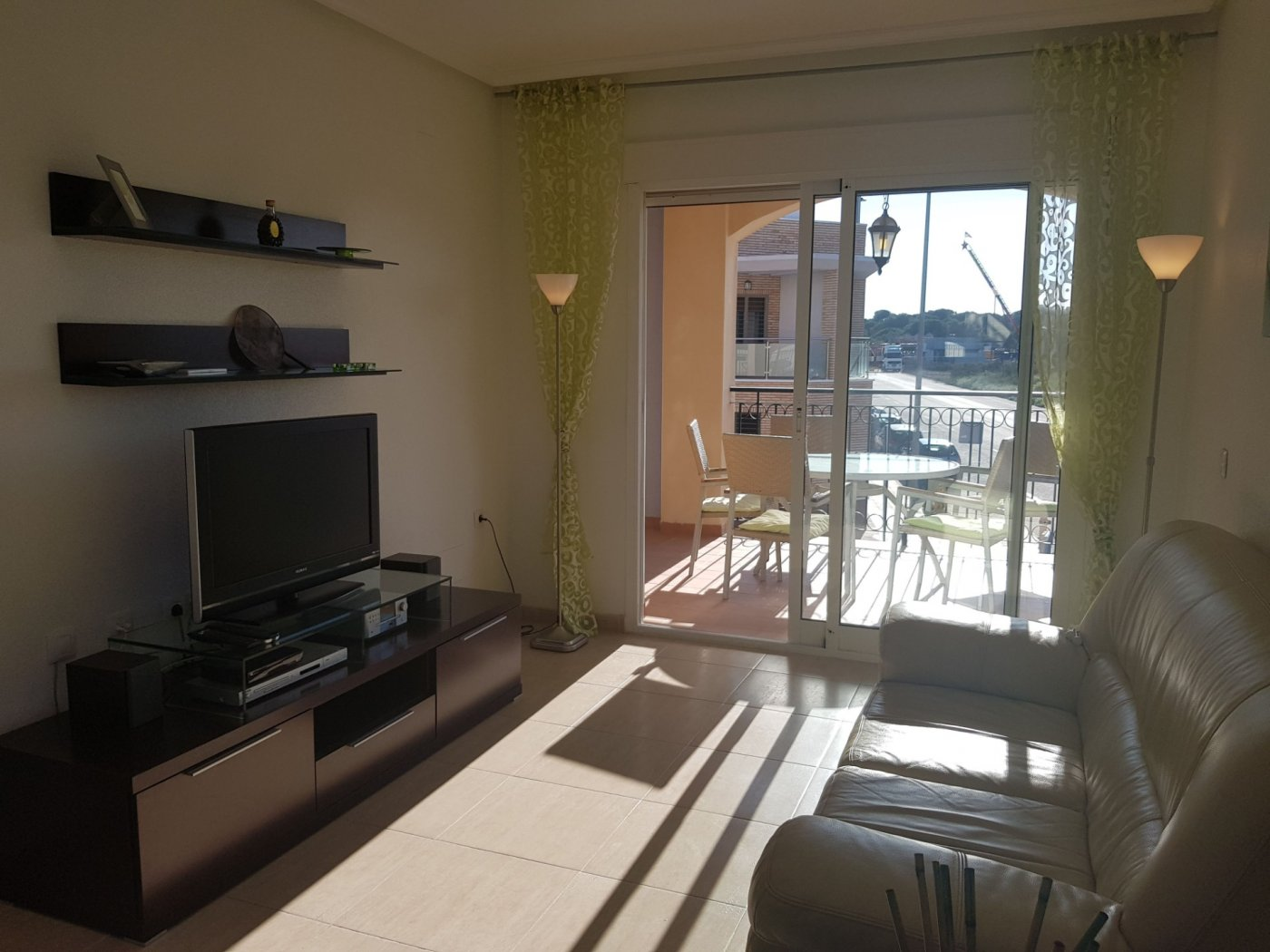 Gallery Image 12 of Fantastic corner apartment on walking distance of beach and shopping centre