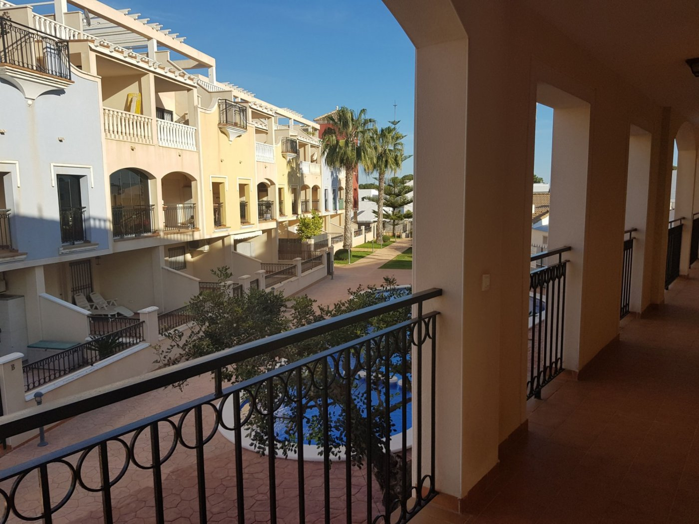 Gallery Image 27 of Fantastic corner apartment on walking distance of beach and shopping centre