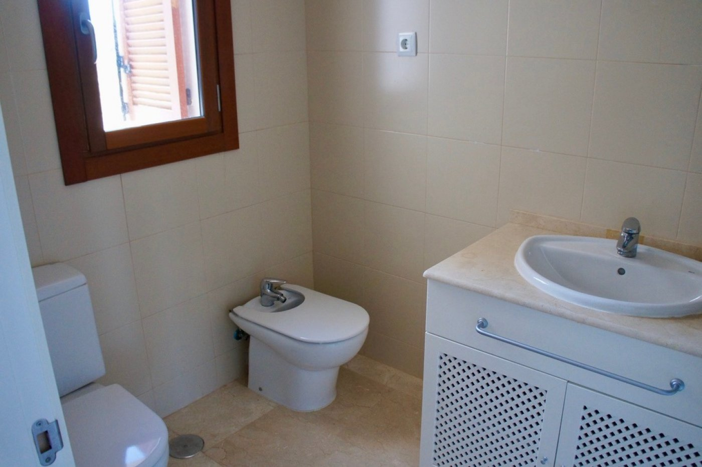 Gallery Image 12 of Nice 2nd  garden flat with views, 2 bed and 2 bath in lovely Golf Resort