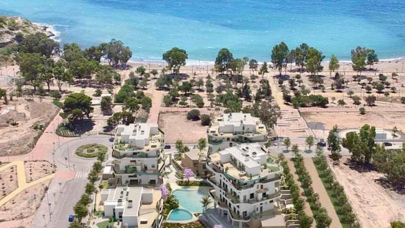 Galleribillede 3 of Kæmpe terrasse, havudsigt, 75 m fra stranden - 4 vær luksus lejlighed