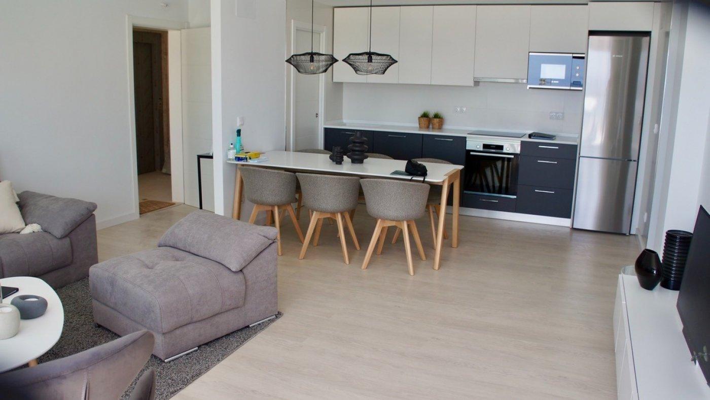 Galleribillede 4 of Smuk udsigt. 3 vær. lejlighed, 2 badevær., 28 m2 terrasse og kun 5 min gang fra strand