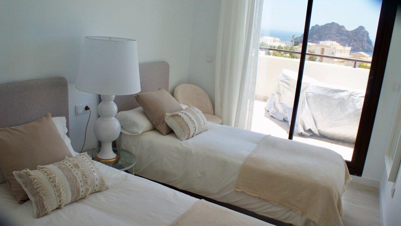 Galleribillede 6 of Kæmpe terrasse, hav udsigt. 4 vær. lejlighed, 2 badevær., kun 5 min gang fra strand
