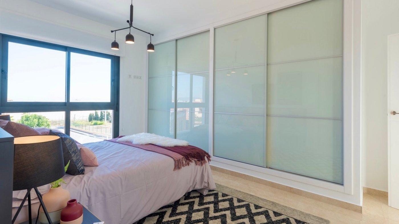 Galleribillede 11 of Luksus villa med egen pool, 3 badevær., kælder med garage og tagterrasse på La Finca Golf Resort