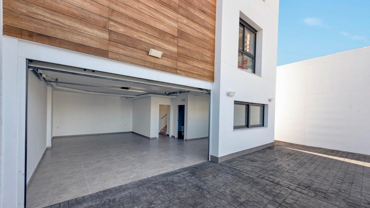 Galleribillede 13 of Luksus villa med egen pool, 3 badevær., kælder med garage og tagterrasse på La Finca Golf Resort