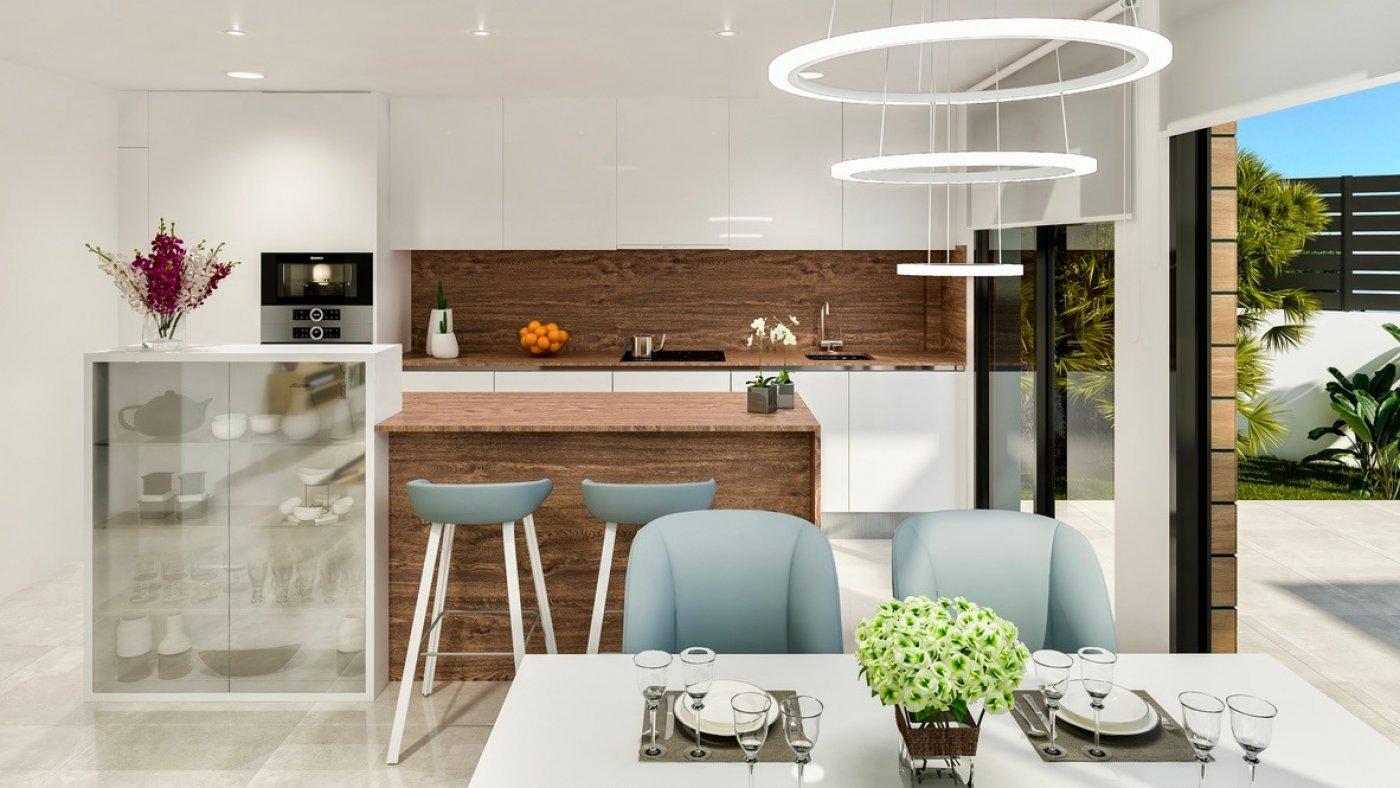 Galleribillede 3 of Luksus villa med egen pool, 3 badevær., kælder med garage og tagterrasse på La Finca Golf Resort