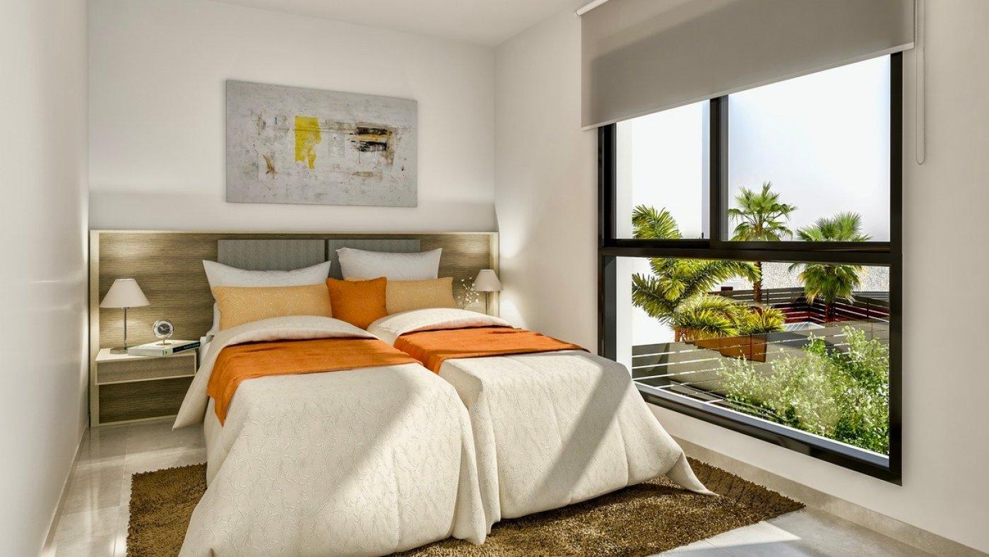 Galleribillede 6 of Luksus villa med egen pool, 3 badevær., kælder med garage og tagterrasse på La Finca Golf Resort