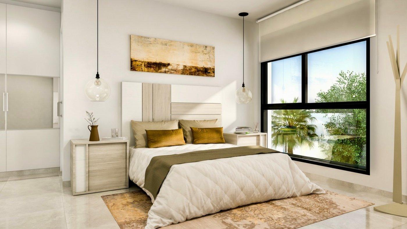 Galleribillede 8 of Luksus villa med egen pool, 3 badevær., kælder med garage og tagterrasse på La Finca Golf Resort