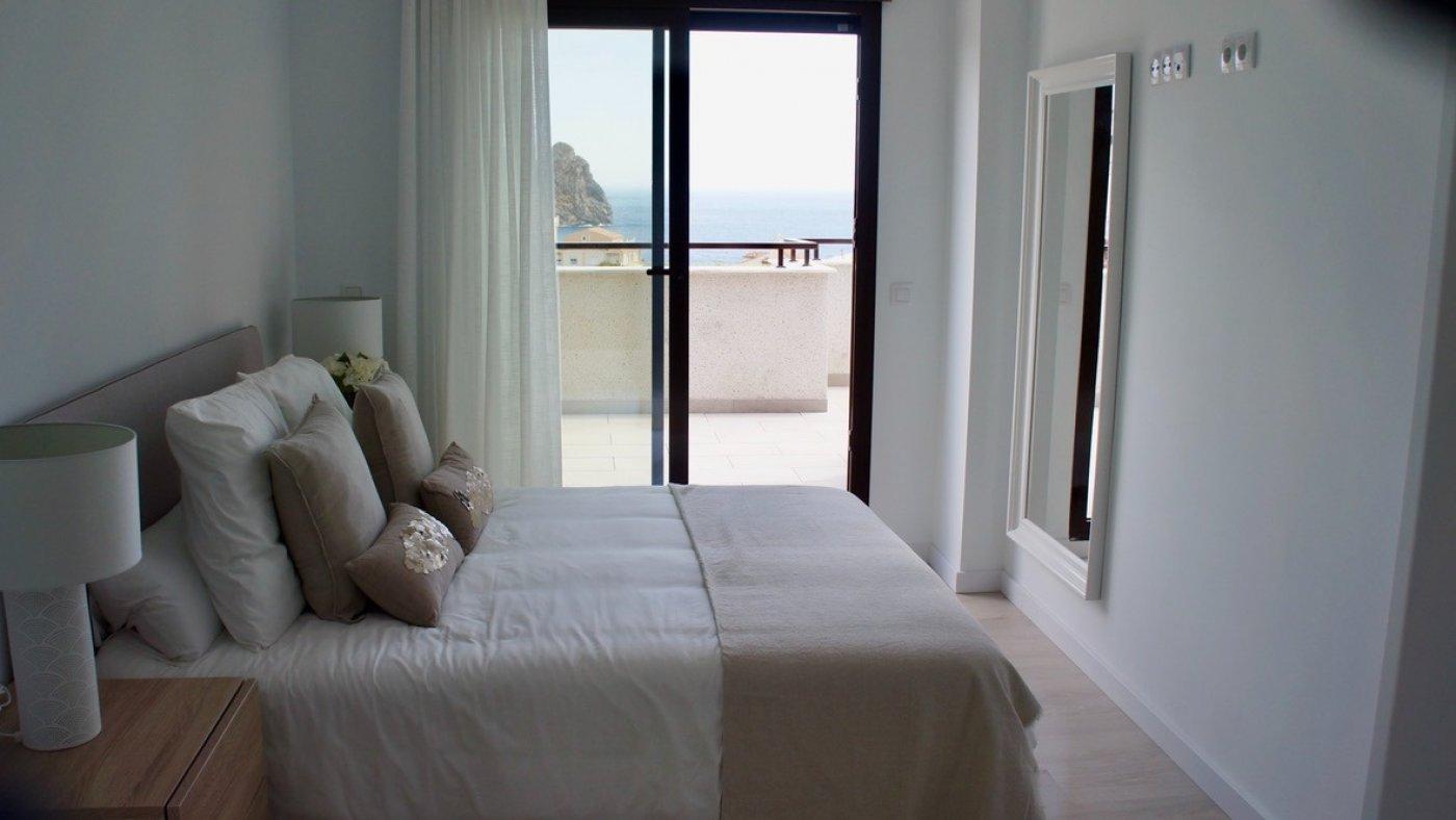 Galleribillede 12 of Fantastisk udsigt fra 36 m2 terrasse. luksus 4 vær. lejlighed, 2 badevær., kun 5 min gang fra strand