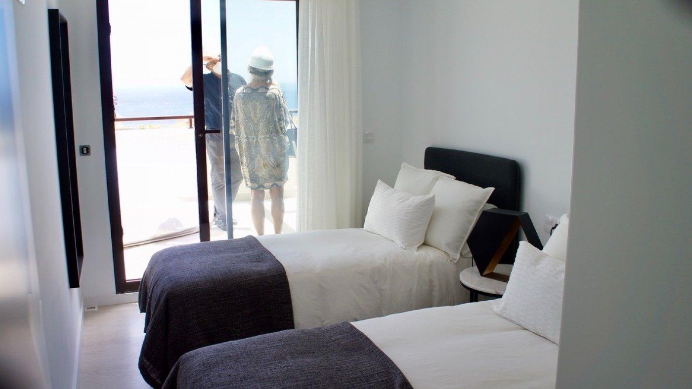 Galleribillede 18 of Fantastisk udsigt fra 36 m2 terrasse. luksus 4 vær. lejlighed, 2 badevær., kun 5 min gang fra strand