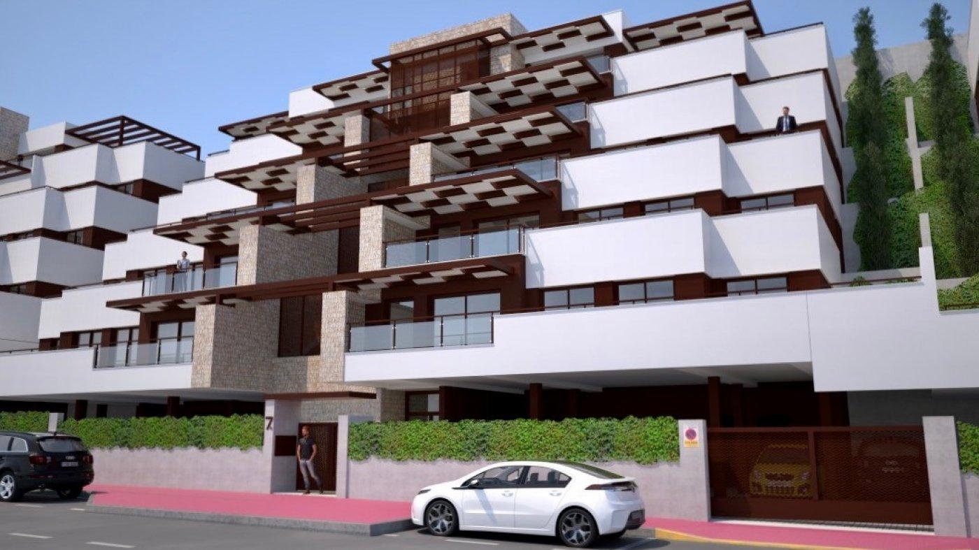 Galleribillede 25 of Fantastisk udsigt fra 36 m2 terrasse. luksus 4 vær. lejlighed, 2 badevær., kun 5 min gang fra strand