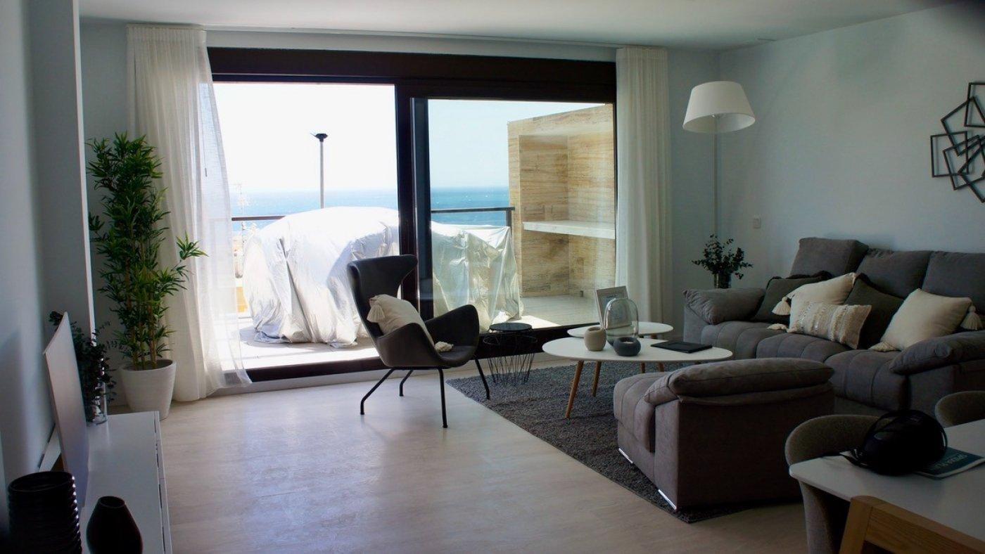 Galleribillede 5 of Fantastisk udsigt fra 36 m2 terrasse. luksus 4 vær. lejlighed, 2 badevær., kun 5 min gang fra strand