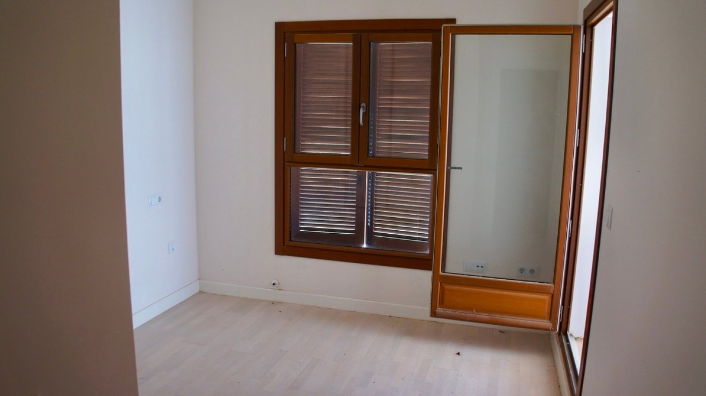 Gallery Image 18 of First line golf bargain priced 1st floor, 2 bed and 2 bath apartment in lovely Golf Resort