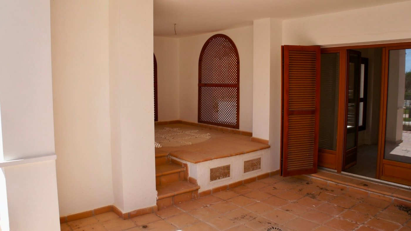 Gallery Image 12 of Large 2 bed, 2 bath ground floor apartment with big terrasse and good size garden.