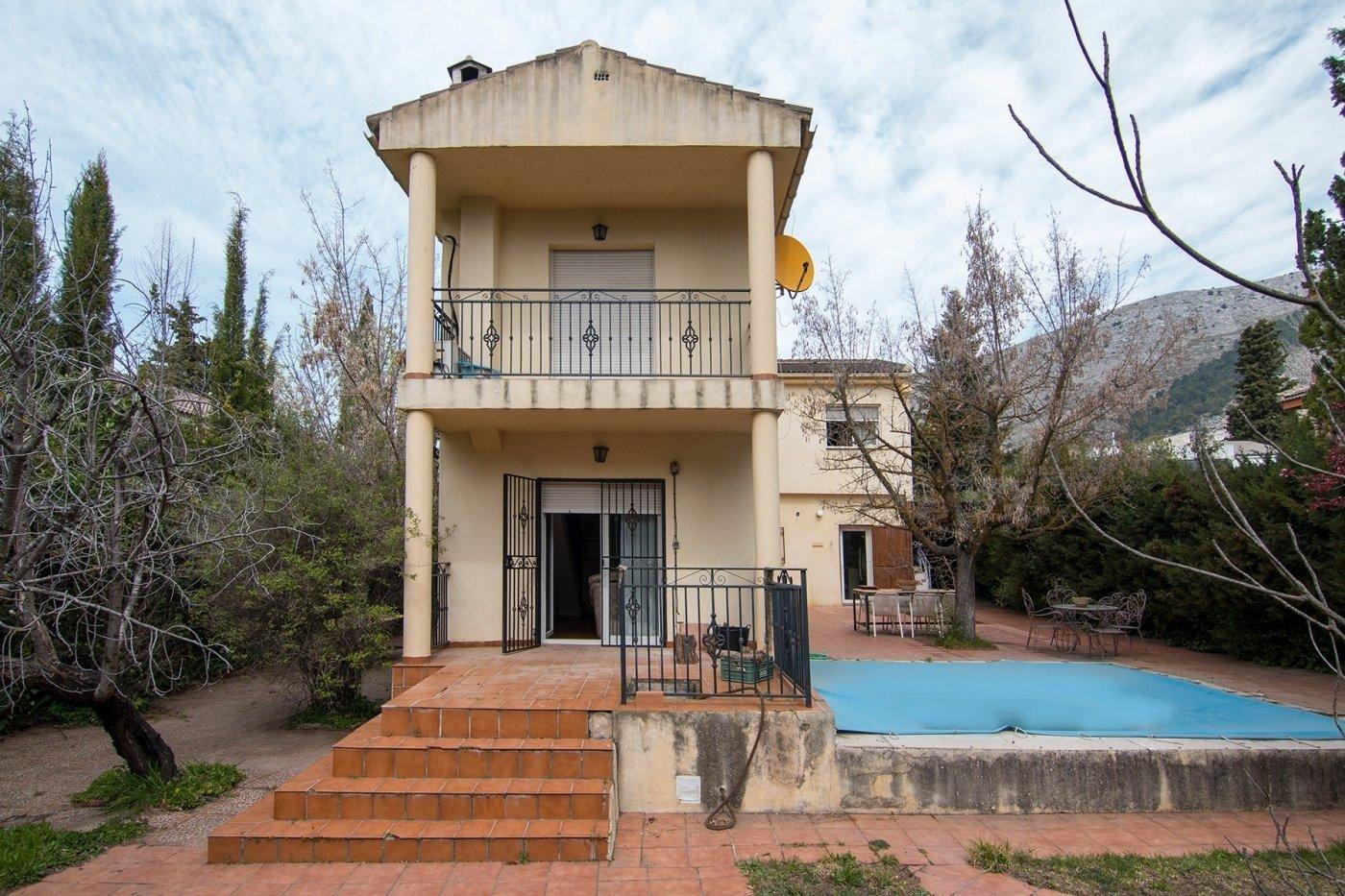 Estupenda casa en el tranquilo pueblo de Alfacar, Granada