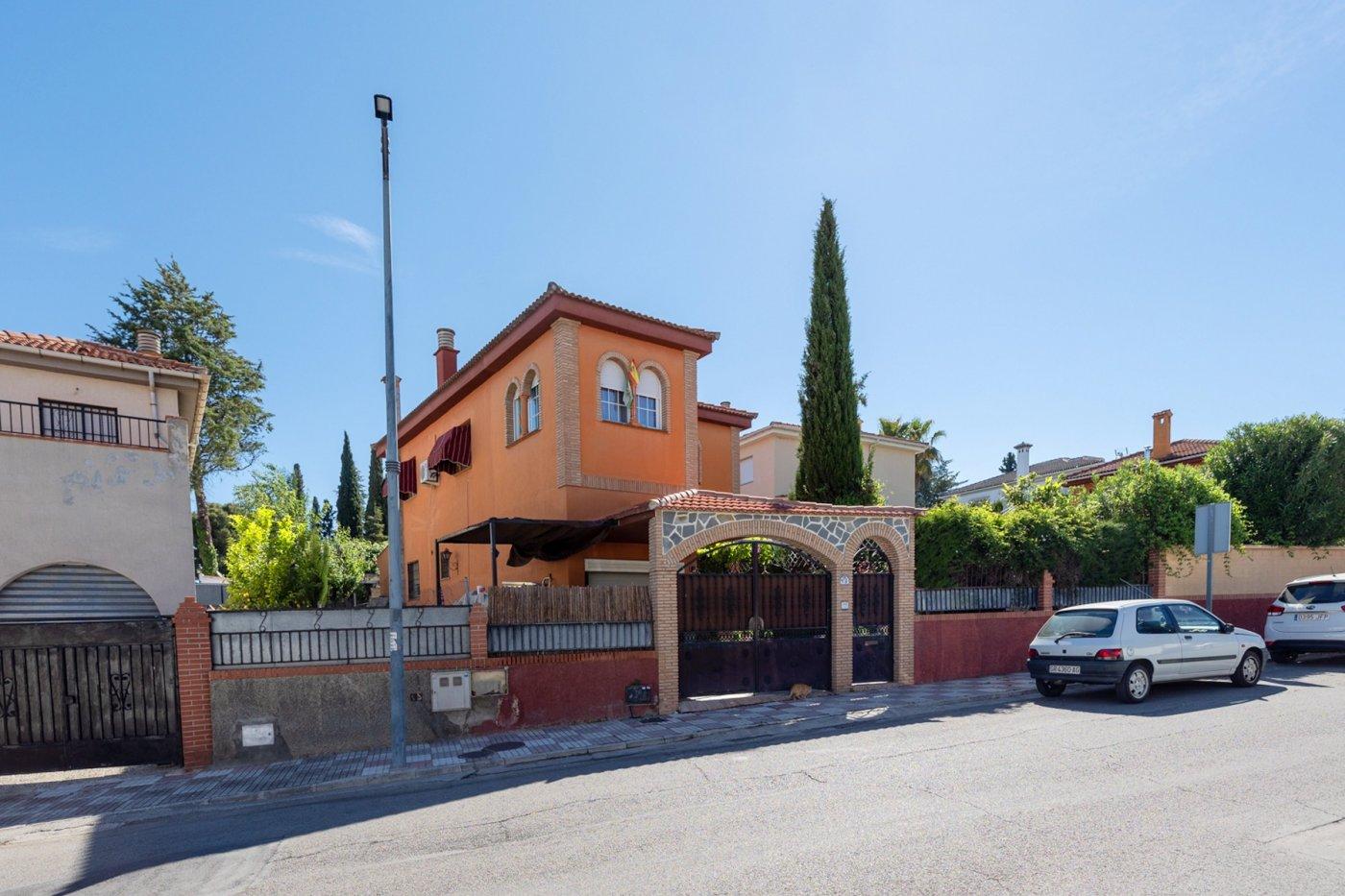 Preciosa casa con piscina y jardín en gójar