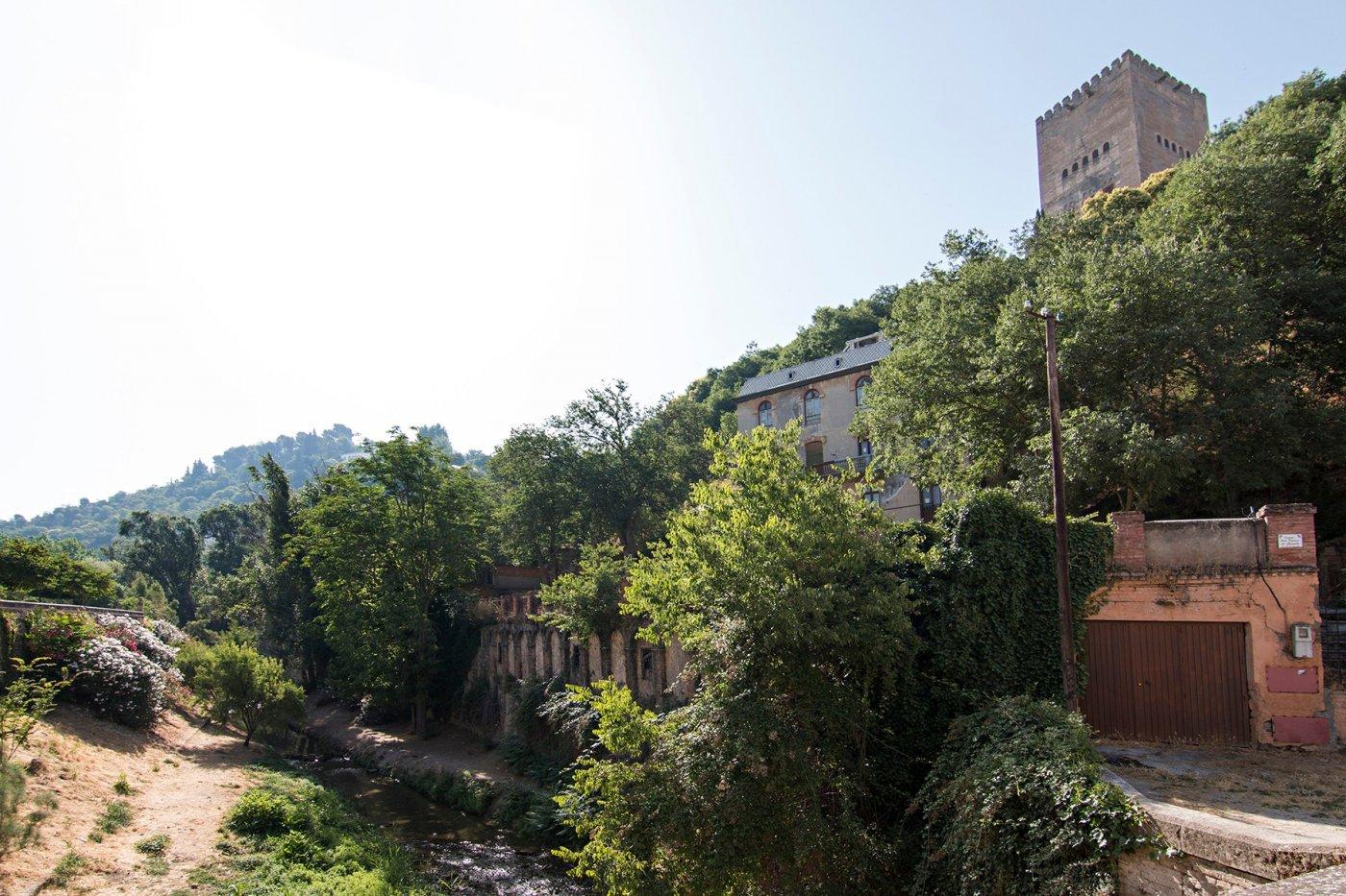Edificio turístico en pleno albaycin