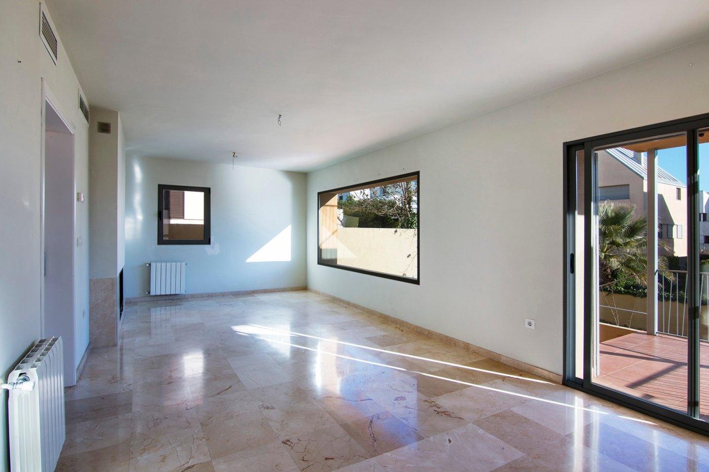 Estupenda casa prácticamente a estrenar en Loma Verde