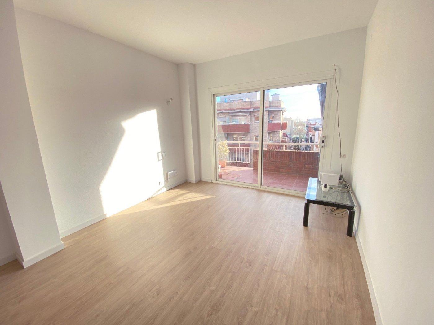 piso en cornella-de-llobregat · centre 297500€