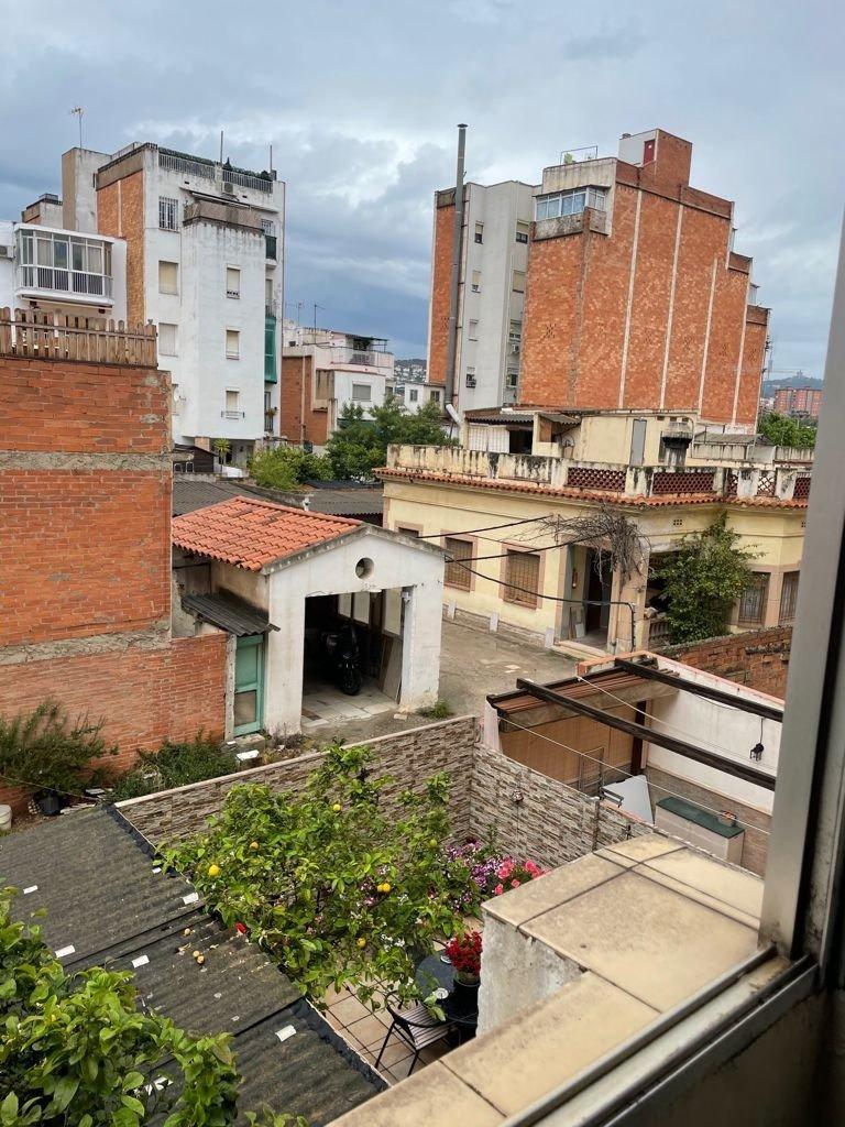 Piso · Hospitalet De Llobregat · Sanfeliu 600€ MES€