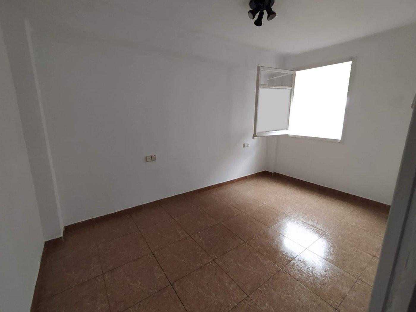 Piso · Cornella De Llobregat · Sant Ildefons 106.000€€