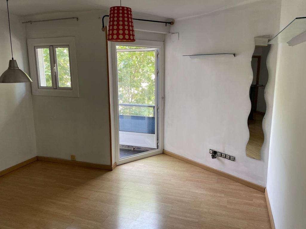 piso en cornella-de-llobregat · sant-ildefons 650€