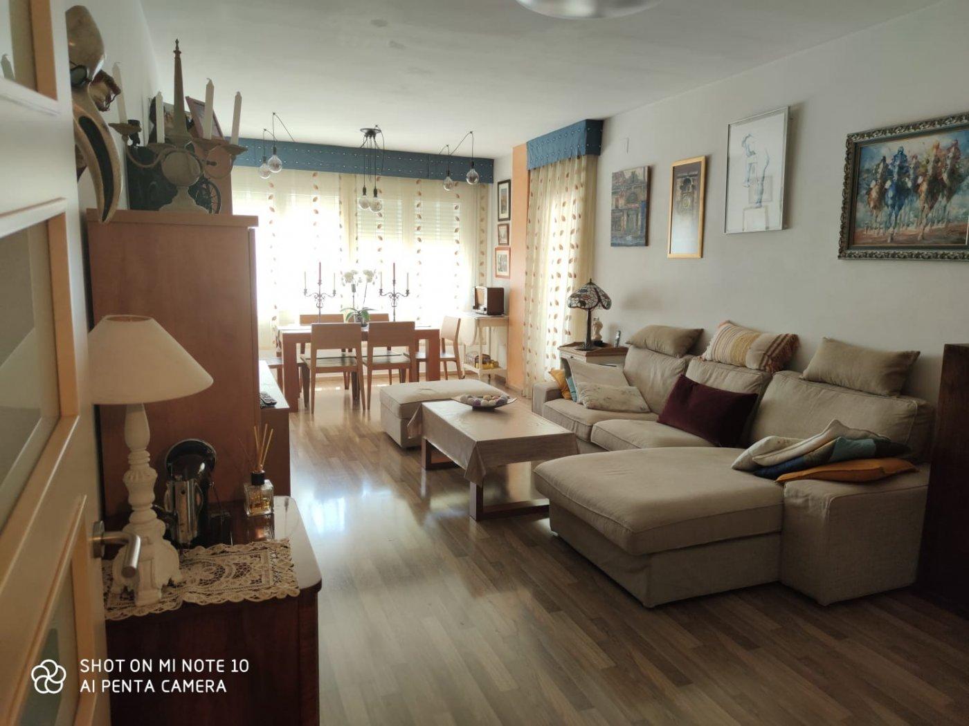 piso en cornella-de-llobregat · riera 931€